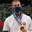 «Бронза» с золотым отливом. Белорусскому легкоатлету Максиму Недосекову вручили заслуженную бронзовую медаль