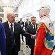 Александру Лукашенко презентовали спортивную форму ко Вторым Европейским играм