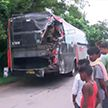 18 человек погибли при столкновении грузовика с автобусом на севере Индии