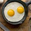 Женщина утром обнаружила на своей кухне незнакомку, которая готовила завтрак