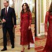 Как Кейт Миддлтон в очаровательном красном тотал-луке привлекла внимание гостей в Букингемском дворце
