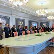 Экскурсию во Дворце Независимости провели для учителей со всей страны