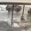 «За секунду до»: В Бобруйске мужчина чудом не попал под летящий на него автомобиль (ВИДЕО)