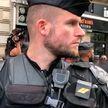 Тысячи французских полицейских вышли на акцию протеста на улицы Парижа