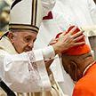 Папа Римский впервые возвел афроамериканца в сан кардинала