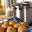 Названы самые опасные способы приготовления картофеля