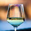 Почему нельзя пить шампанское с накрашенными губами?