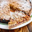 Если хочется сладкого, приготовьте тертый постный пирог с вареньем – это просто!