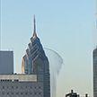В Филадельфии с небоскреба лилась вода