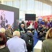 ХХVII Международная книжная выставка-ярмарка проходит в «Белэкспо»:  возможность пообщаться с писателями вживую представится посетителям