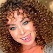 Выступление сестры Жанны Фриске с хитом певицы раскритиковали в соцсетях