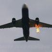 В шаге от трагедии: пассажир самолёта заснял, как двигатель авиалайнера разрушился прямо в воздухе