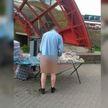 Продавец без трусов торговал очками в Гродно