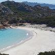 На Сардинии задержали туриста, пытавшегося вывезти в багаже песок и камни