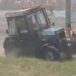 Трактор наехал на журналистов во время ралли «Бизон-Трек-Шоу» (ВИДЕО)