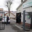 На территории инфекционной больницы Минска появились палатки
