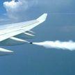 В США самолет скинул топливо на четыре школы