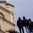 С 18 мая в Грузии отменяют запрет на собрания больше трех человек и открывают салоны красоты