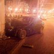 Девушка на BMW врезалась в фонарный столб в Минске