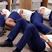 Сотрудников Ryanair уволили за фото, на котором они «спят»