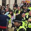 Ужесточение ответственности и больше полномочий полиции: Великобритания принимает новый закон о протестах