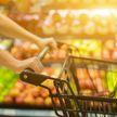 Новый год еще нескоро, но некоторые продукты можно купить заранее, чтобы сэкономить. Вот список