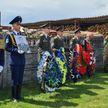 Беларусь простилась с героями-лётчиками: их память увековечат в Барановичах