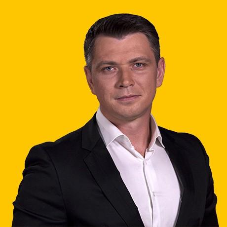 Дмитрий Максимович